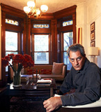 Paul Auster en su casa de Brooklyn